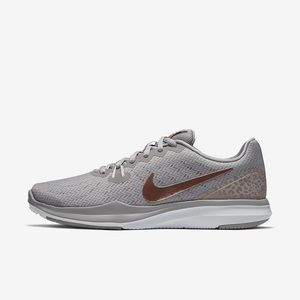 "Nike Women's ""In season TR7"" Shoes Size - 7.5"